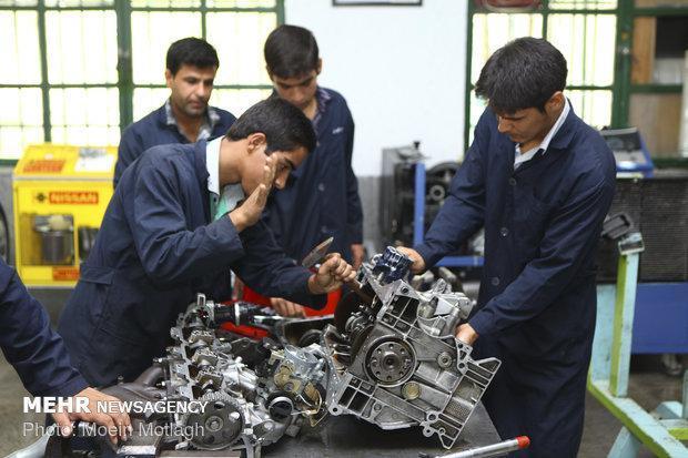 70 درصد فارغ التحصیلان فنی و حرفه ای جذب بازار کار می شوند