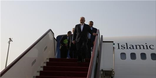 سرانجام سفر ظریف به سریلانکا و سنگاپور، وزیر خارجه به تهران بازگشت