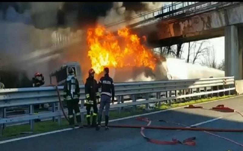 تصادف و انفجار تانکر در شمال ایتالیا کشته برجا گذاشت