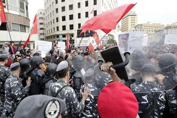 درگیری میان تظاهرات کنندگان لبنانی و شهروندان در زیر پل رینگ