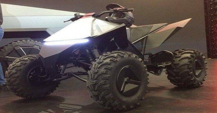 فیلم، سایبرکواد، موتورسیکلت چهارچرخه تسلا را ببینید