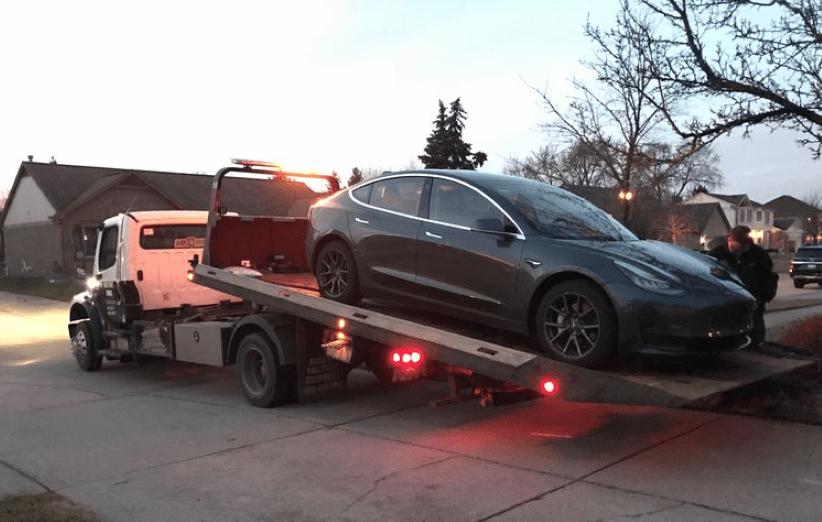 بروز مشکل برای باتری تسلا مدل 3 در حین پارک