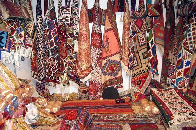 بازارچه صنایع دستی در سمنان برگزار می گردد