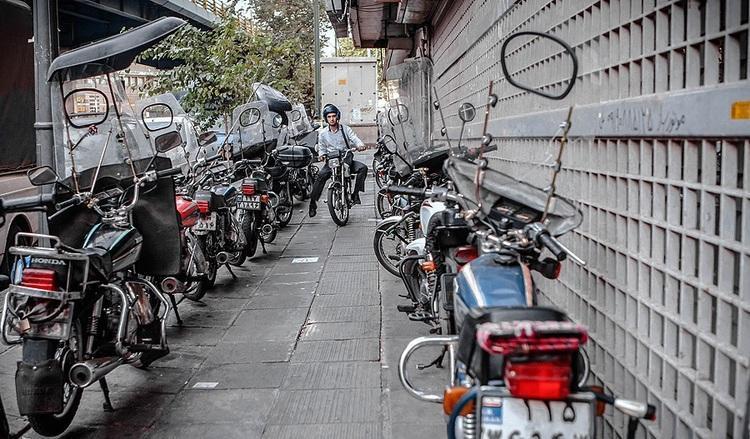 جریمه عابران پیاده به جای موتورسوار ها!