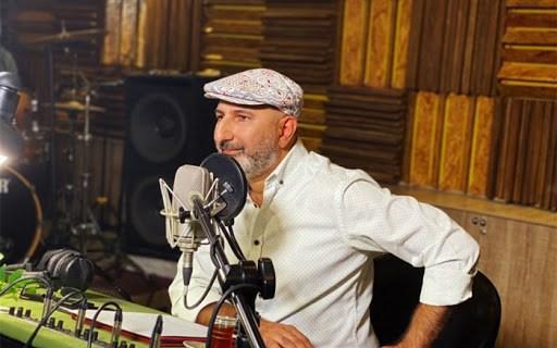 گفتگوی منصور ضابطیان با عباس غزالی در رادیو، خواننده خانه ما مهمان پنجشنبه آدینه می گردد