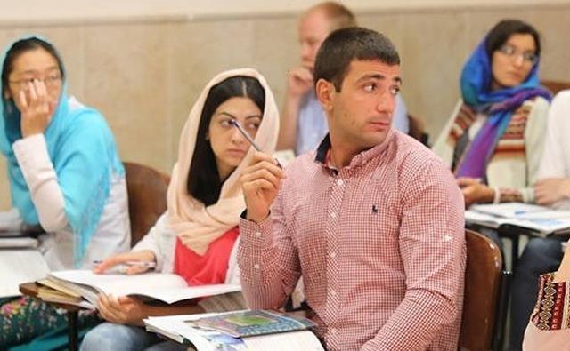 دانشجویان خارجی چگونه سال تحصیلی جدید را شروع می نمایند؟