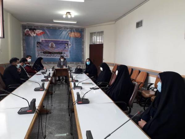 خبرنگاران فرماندار سلسله: تکریم خانواده های شهدا باید در راس امور قرار گیرد