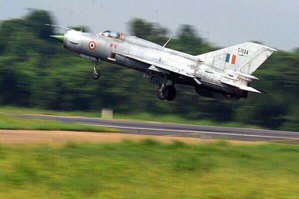 حین عملیات آموزش نظامی روی داد؛ سقوط جنگنده میگ 21 نیروی هوایی هند، خلبان کشته شد خبرنگاران