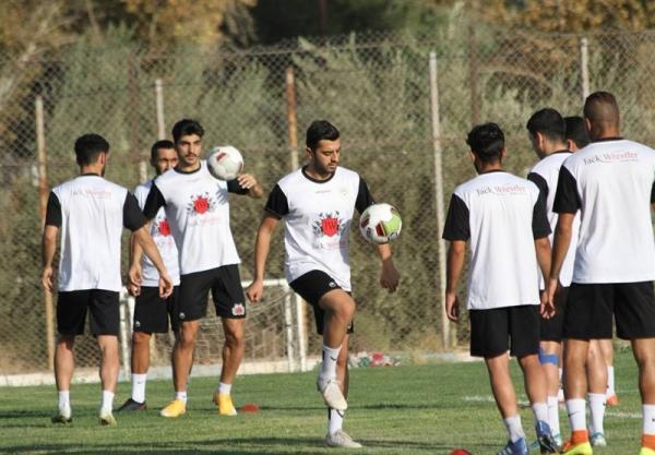 جوانی: بازیکنان فجر سپاسی می خواهند پدیده لیگ برتر باشند، امیدوارم بتوانیم از بازیکنان سرباز استفاده کنیم