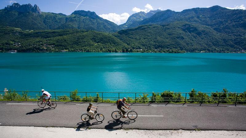مسیر ویژه دوچرخه سواری در شهر انسی فرانسه