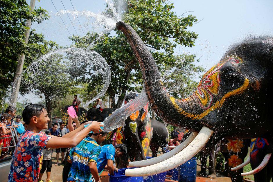 جشن آب پاشی و سال نو در تایلند